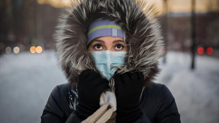 «Бешеный спрос».В аптеках Новосибирска взлетели цены на одноразовые маски