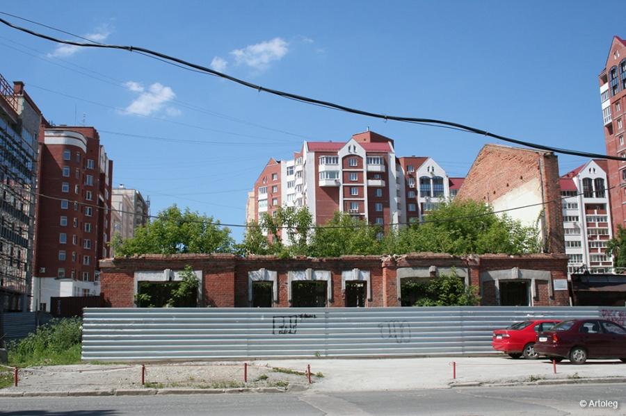 Вот что осталось от дома на Хохрякова, 68