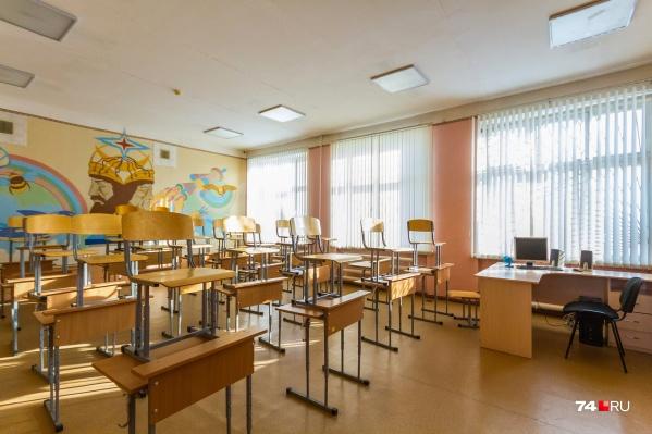 Школы просят родителей не отправлять заболевших детей на уроки
