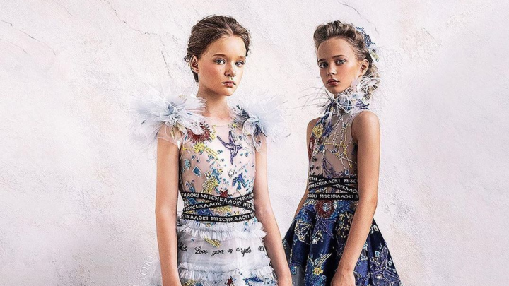 Самая красивая школьница-модель из Красноярска снялась в роскошном платье от люксового бренда
