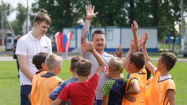 Английский клуб «Челси» провел мастер-классы под Волгоградом — фоторепортаж