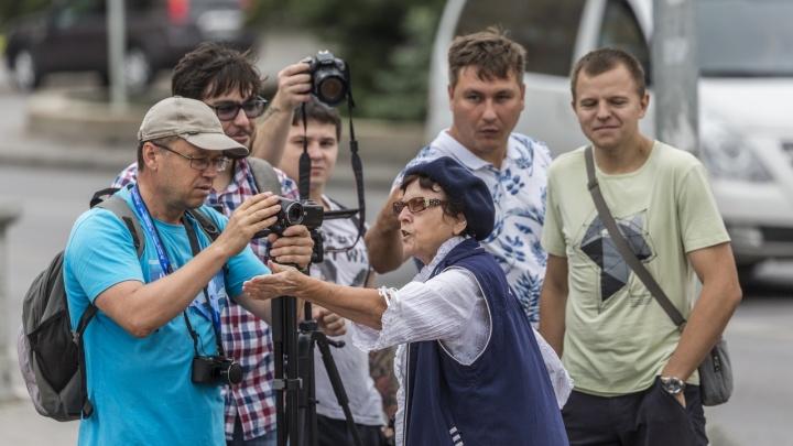 «Молодежь ставит головы под дубинки»: в Волгограде прошел пикет солидарности с Москвой