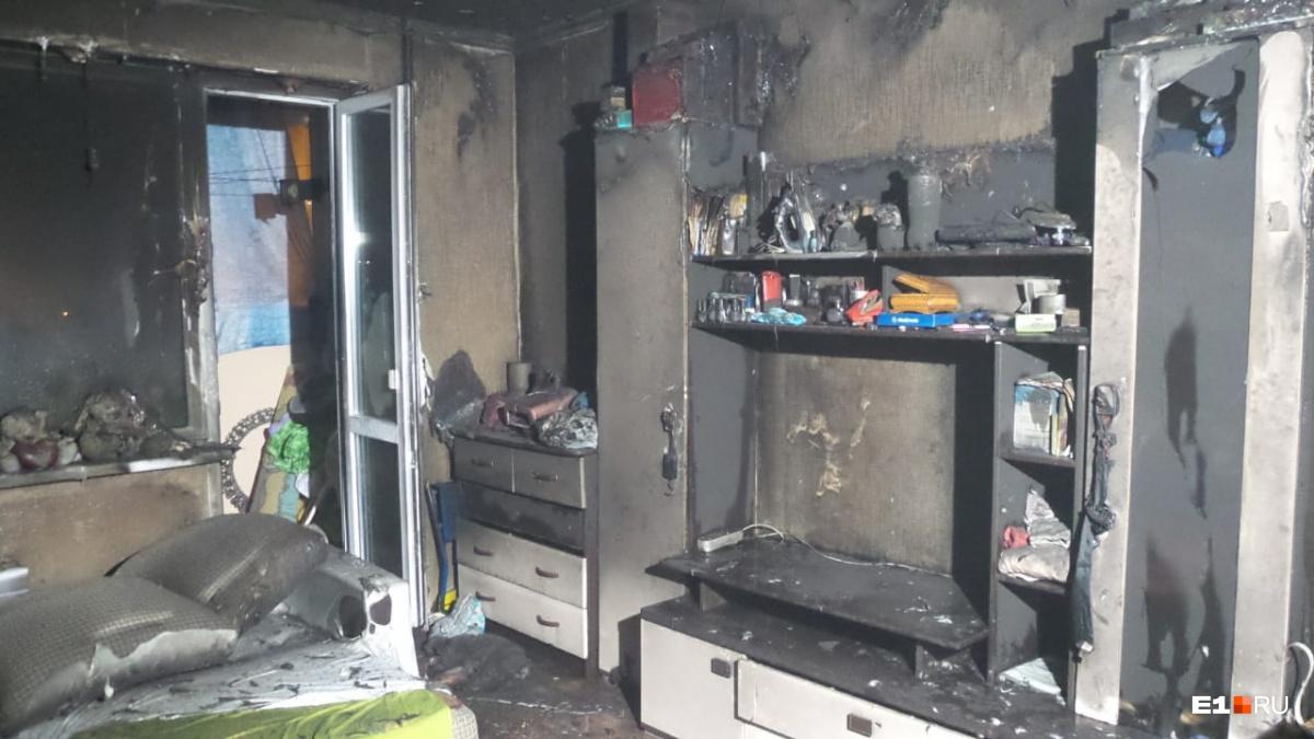 Во Втузгородке пожилой мужчина выгнал внучку из дома и сжёг трёхкомнатную квартиру