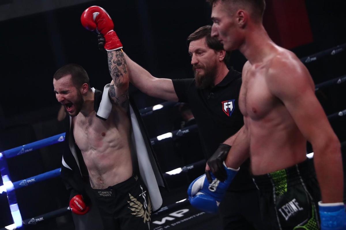 Никита Кондратов выиграл у луганского боксера