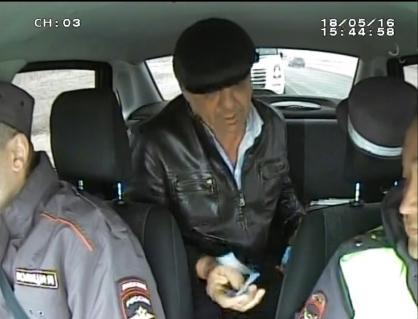 В Лебяжье за взятку инспекторам ДПС осудили жителя Узбекистана