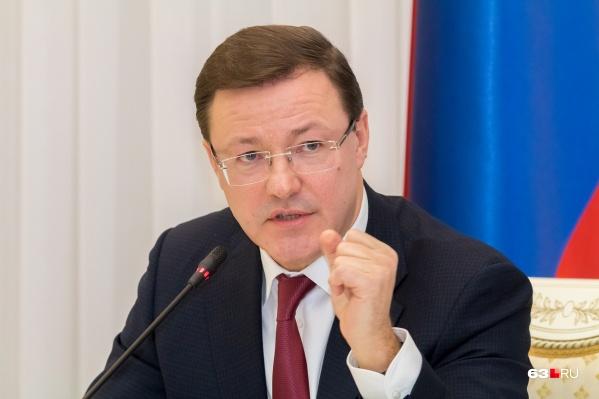 Азаров посоветовал жительницам региона прислушаться к советам медиков