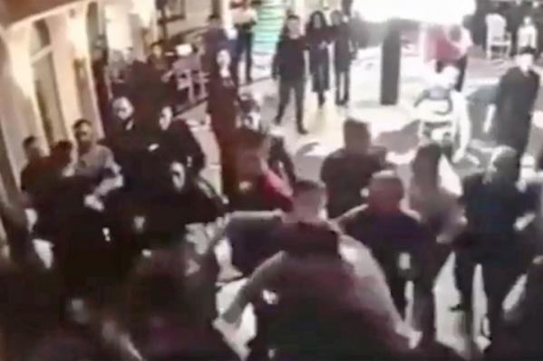 После массовой драки полицейские арестовали 8 человек