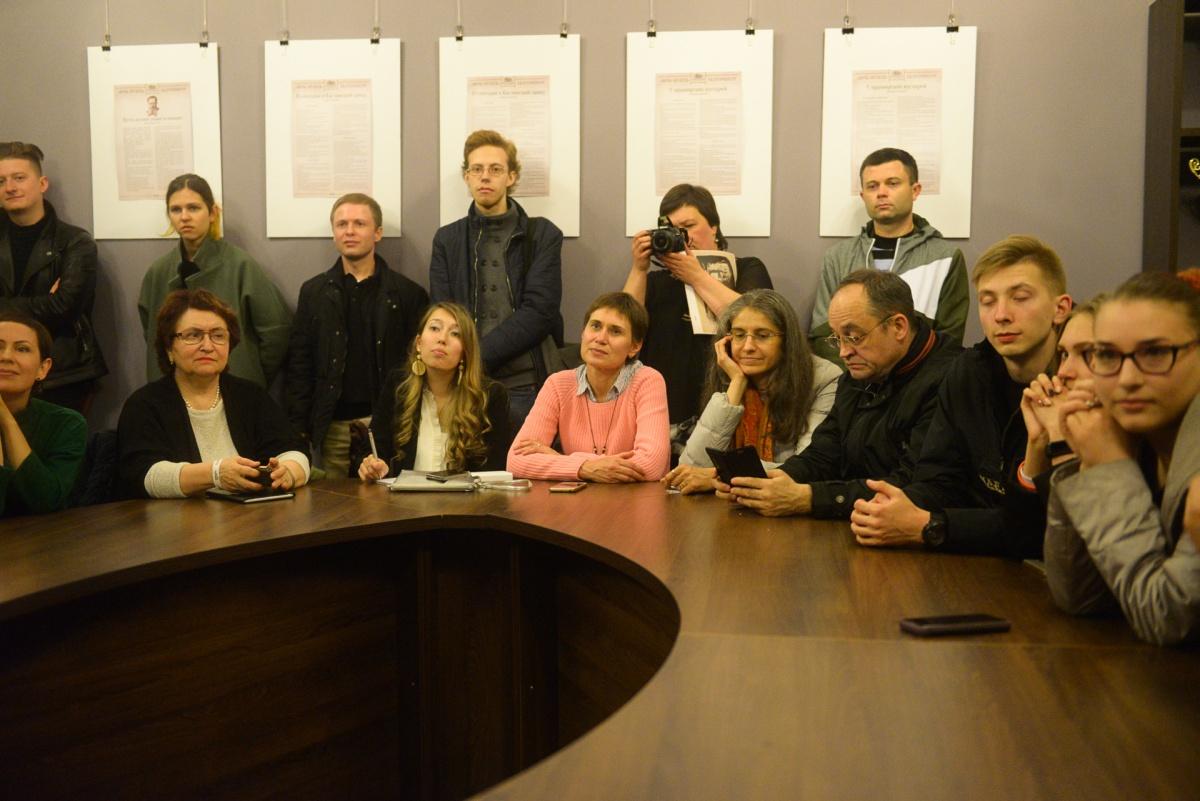 Сергей Панин в прямом эфире показывал изнанку стримов E1.RU