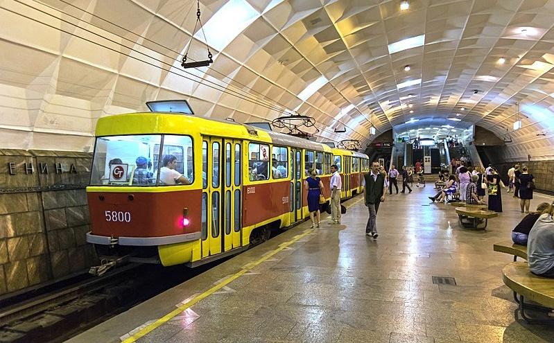 Василий Голубев в очередной раз заявил, что в Ростове построят наземно-подземное метро