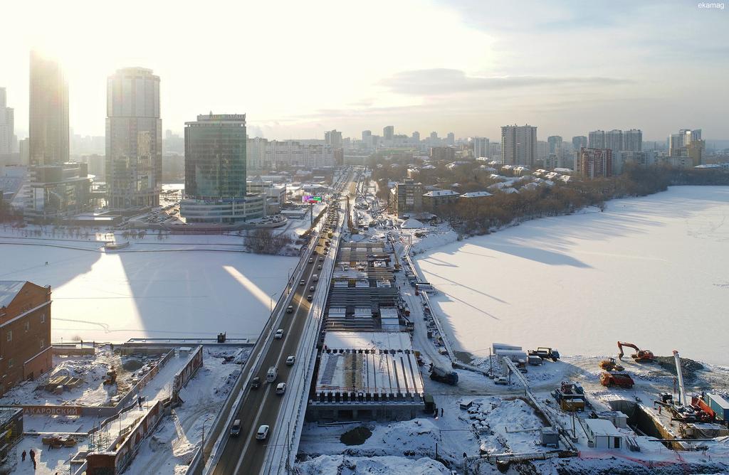 Ломать и строить: трёхлетняя реконструкция Макаровского моста в большом фоторепортаже E1.RU