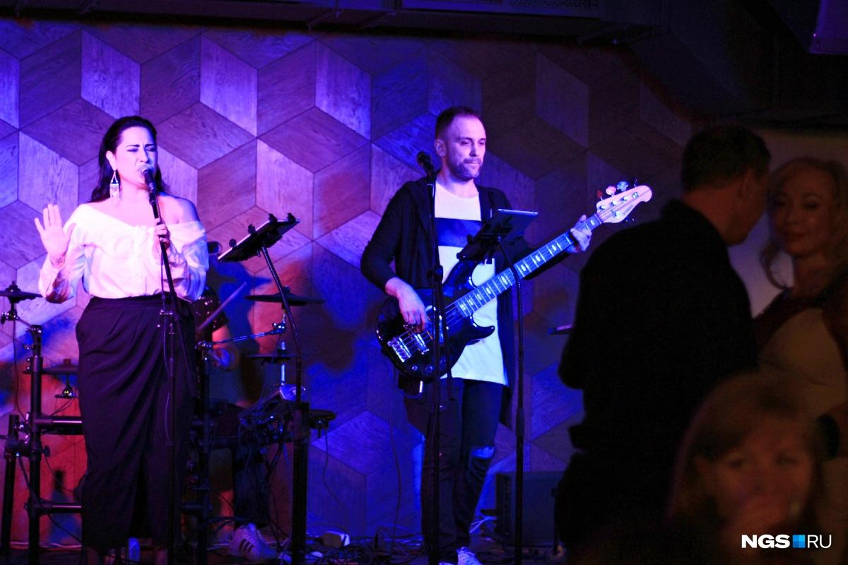 Музыкальные программы в «Урицком» пока обещаны только по пятницам и субботам