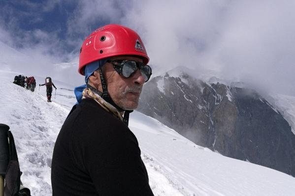 Юрий Петрович покорил не одну горную вершину