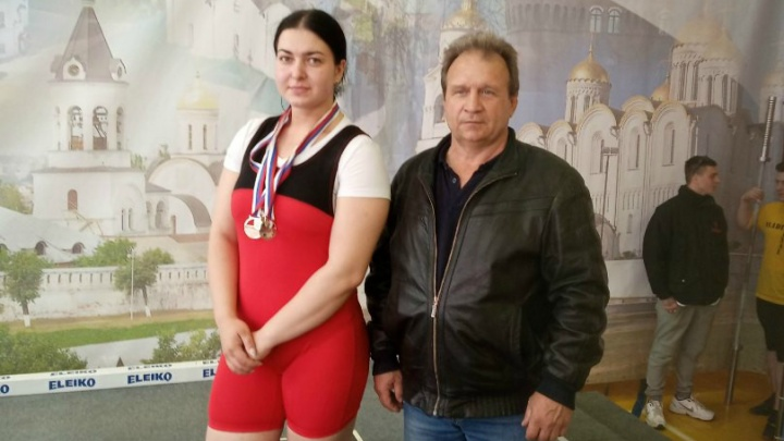 Зауральские тяжелоатлеты завоевали медали первенства России среди юниоров