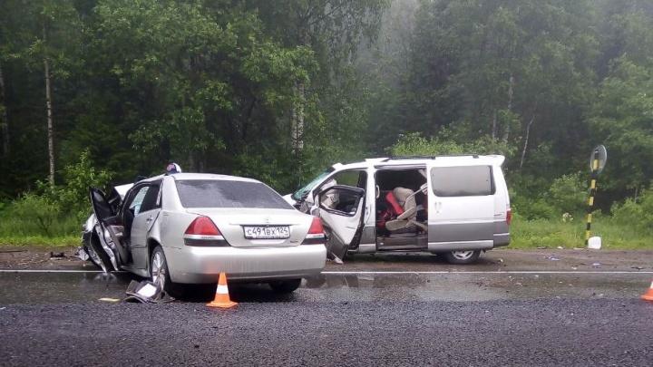 Авария на трассе с 8 пострадавшими: подробности и первые версии