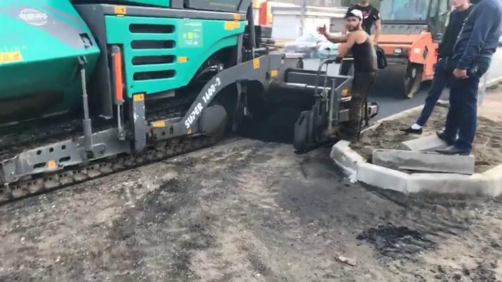 «Было страшно!»: в Ярославле дорожники набросились с угрозами на общественника. Видео