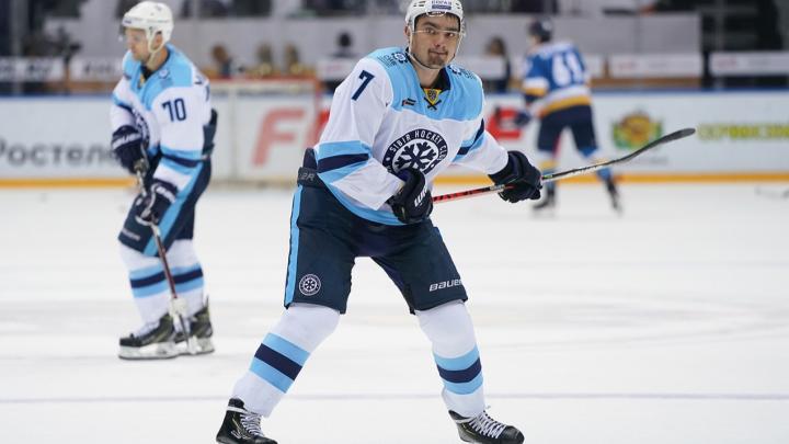 Прервали серию побед: хоккейная «Сибирь» проиграла «Металлургу»