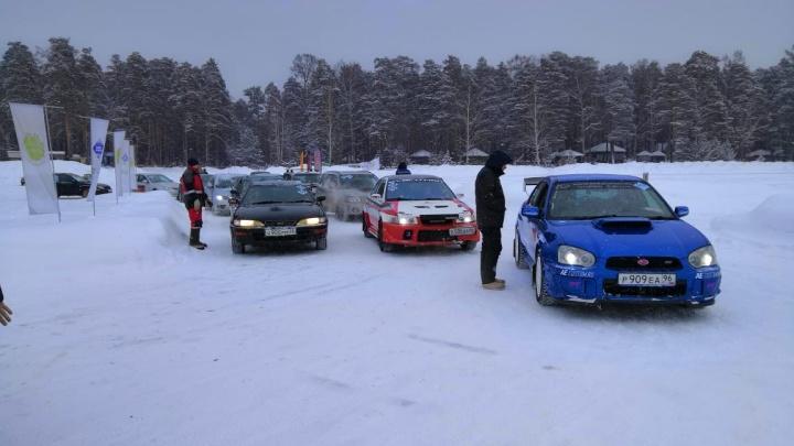 «Ледовый дрифт» состоялся: людям в казачьей форме с нагайками пришлось ретироваться с озера Балтым