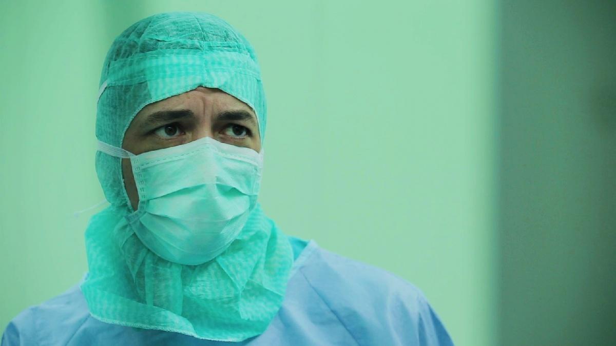 В операционной Павел Сёмин совсем другой, нежели в обычном общении, — во время операции он сосредоточенный и молчаливый