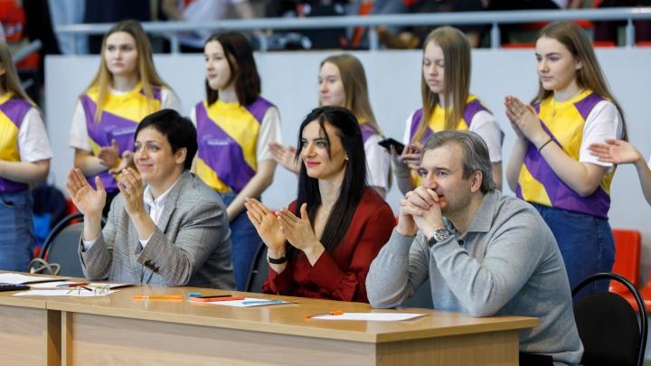 «Приехали к ребятам из детдомов»: Елена Исинбаева два дня отбирала нижегородцев для своего проекта
