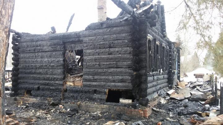 «Даже строиться не можем». Нижегородская семья осталась без крова над головой и нуждается в помощи