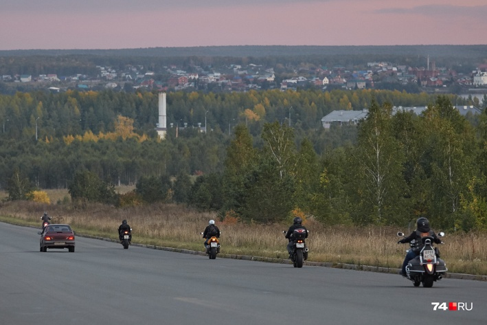 Вечерние прогулки на мотоцикле вполне могут заменить тренировку в спортзале, говорят врачи