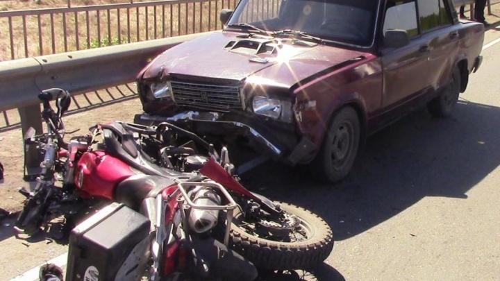 Мотоциклист погиб в аварии в Шумихе