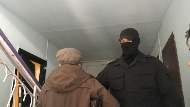 Как у главы тюменского штаба Навального проходили обыски. Трансляция в режиме онлайн