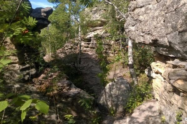 «Каменный город» состоит из нескольких десятков скал
