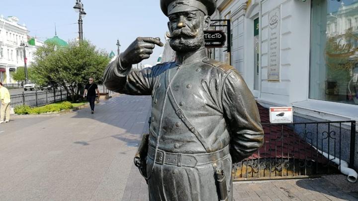 «Мирно решить не удалось»: владелец статуи Городового готовится к суду