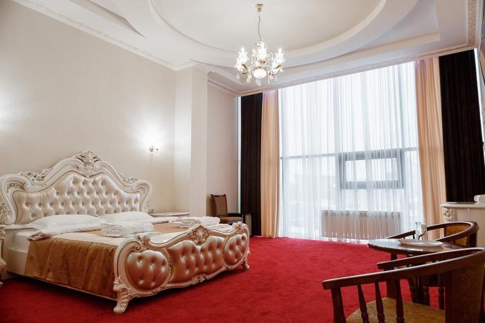 «Император» в Новосибирске: отдых по-королевски