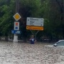 Дороги уходят под воду: волгоградцы рвут соцсети видео с большого потопа