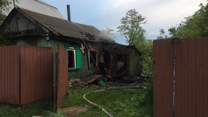Три человека погибли при пожаре в Песчанокопском районе