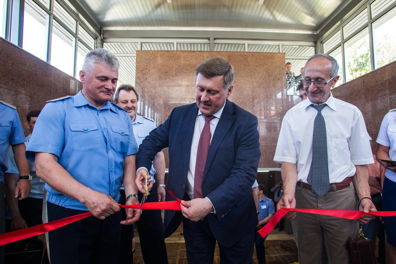 Мэр открыл вход на станцию «Красный проспект»