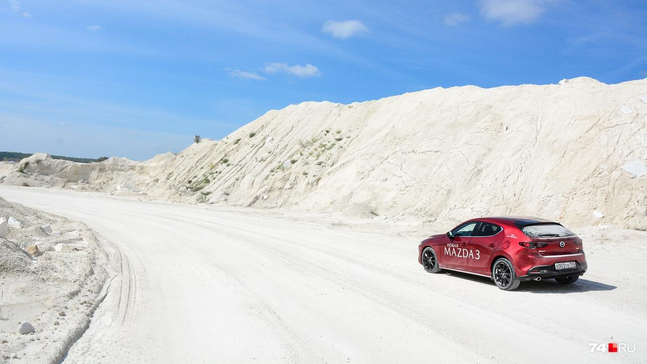 Mazda3 всегда была автомобилем, который любит асфальт и преимущественно ровный