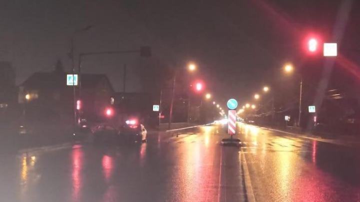 «Хёндэ» врезалась в «Хонду» и отлетела в столб на Немировича-Данченко — водитель скончался