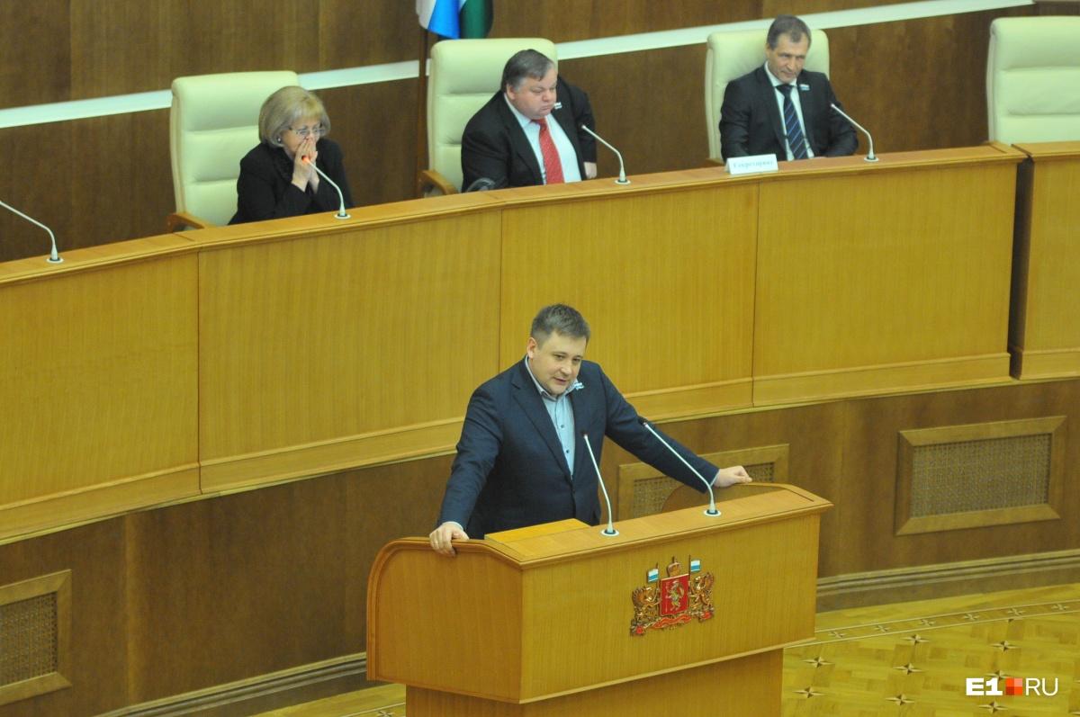 Жуковский считает, что депутаты — это почти ангелы