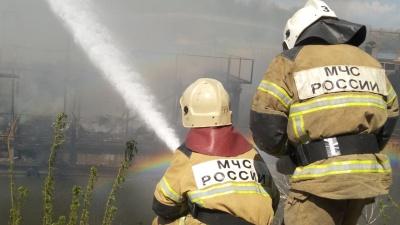 В Самаре на Волге сгорел катер, на котором были дети