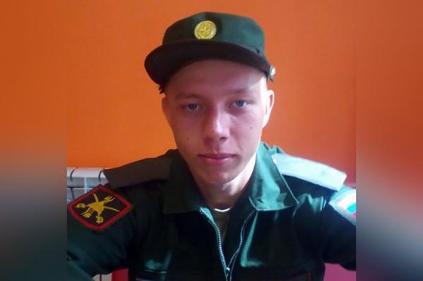 После окончания техникума Дмитрий Попов получил хорошее предложение о трудоустройстве, но для этого требовалось прохождение военной службы