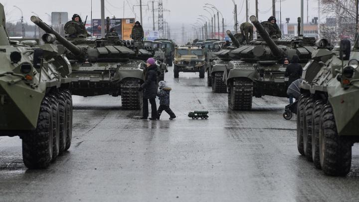 Первая тренировка уже на следующей неделе: публикуем график репетиций парада Победы в Екатеринбурге