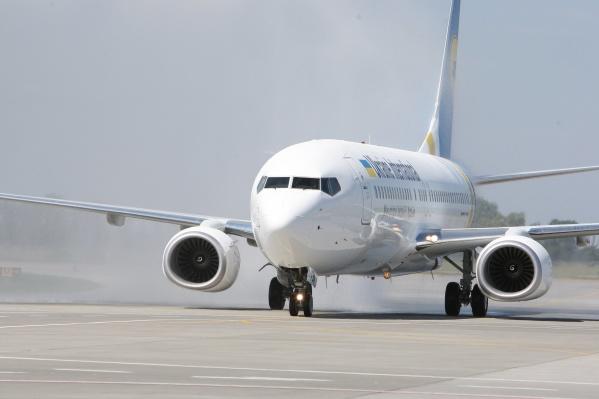 Самолет летел из Тегерана в Киев