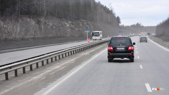 Будут пробки: на трассе Пермь — Екатеринбург на неделю ограничат движение