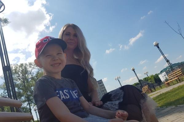 Анастасия Белякова и Влад. Мальчику 4 июля исполнилось 7 лет