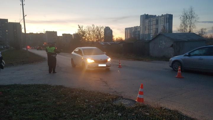 В Компрессорном девятилетний мальчик попал под колеса машины, его увезли в больницу