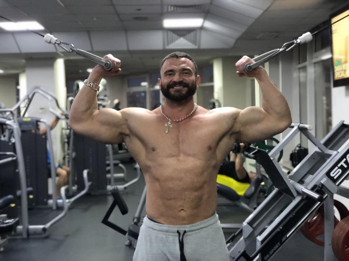 Персональный тренер фитнес-клуба Remix на Нарымской Евгений Бабкин