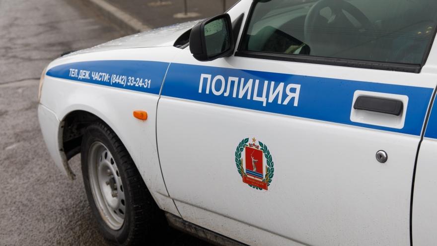 На трассе в Волгоградской области столкнулись тягач и легковушка: есть погибшие