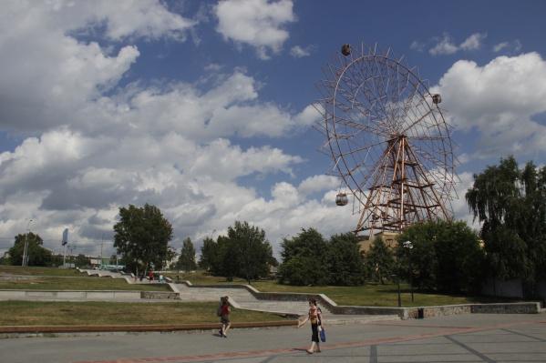 Изначально колесо планировали открыть в августе 2019 года