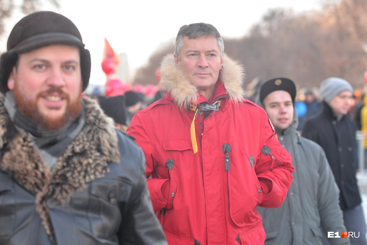 Ройзман маршем прошёл с бастующими
