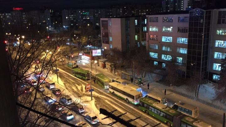 Тюменка попала в больницу после столкновения автобуса с маршруткой у арбитражного суда
