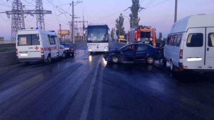 Объезжал пробки: полиция рассказала о подробностях аварии, парализовавшей мост Волжской ГЭС