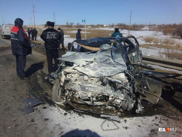 В Свердловской области произошло ДТП, в котором погибли 6 человек